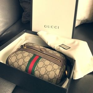 GUCCI CROSSBODY PURSE